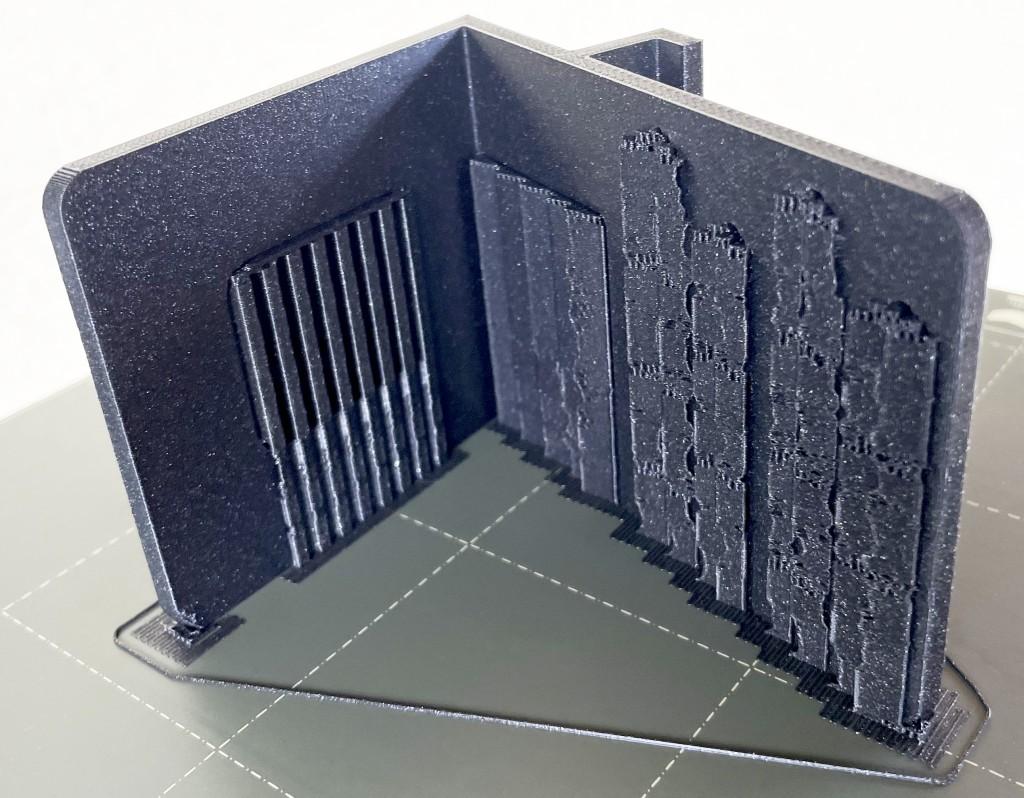 Ständer auf Druckbett seitlich liegend mit Stützen